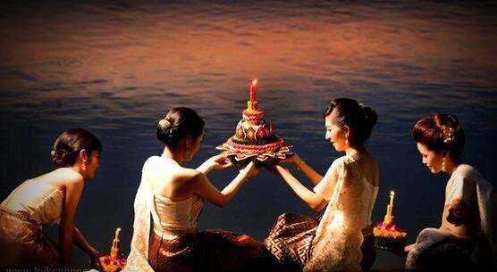 loy kratong celebration